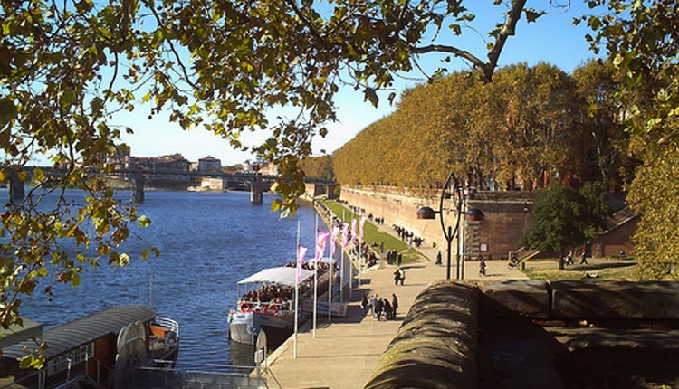 Toulouse riverside